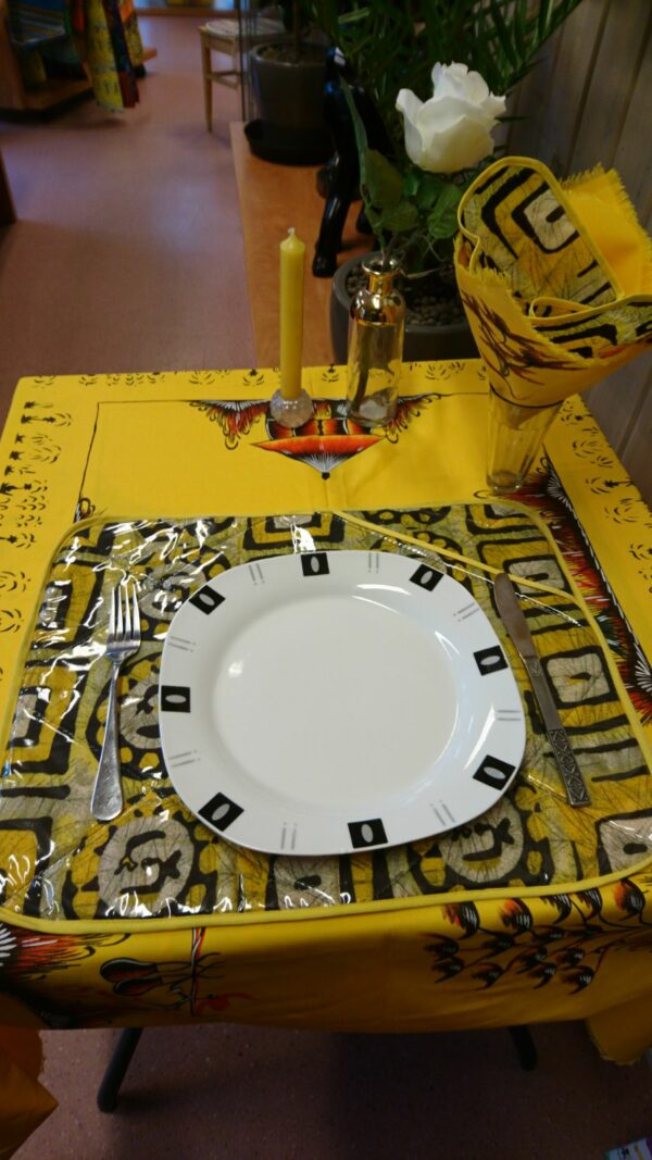 Table clothe and napkins