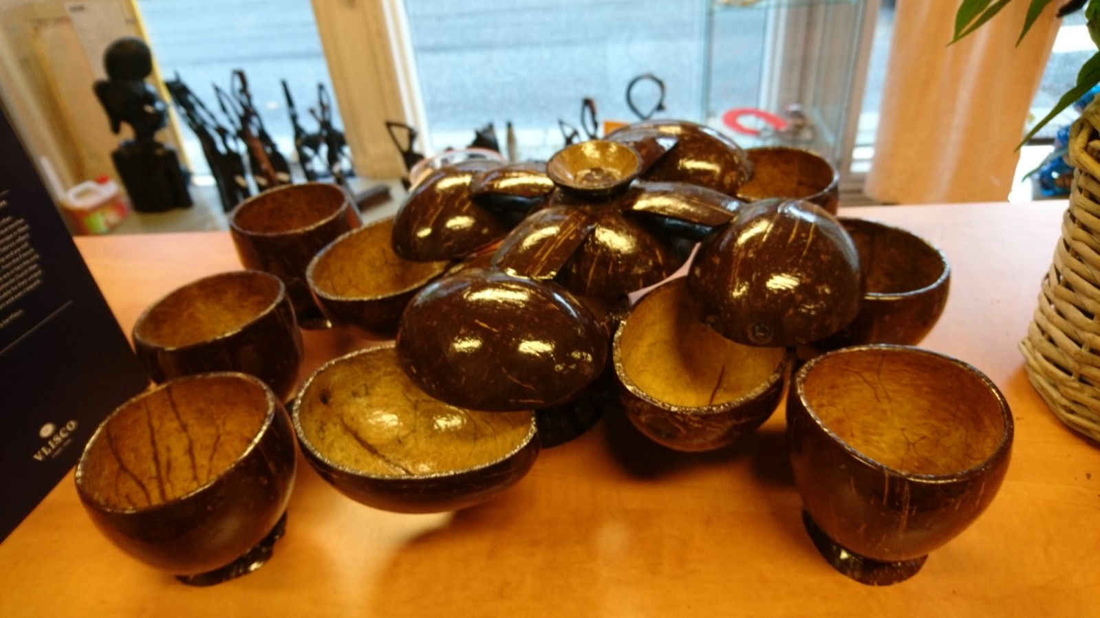 Natural coconut cups and bowls